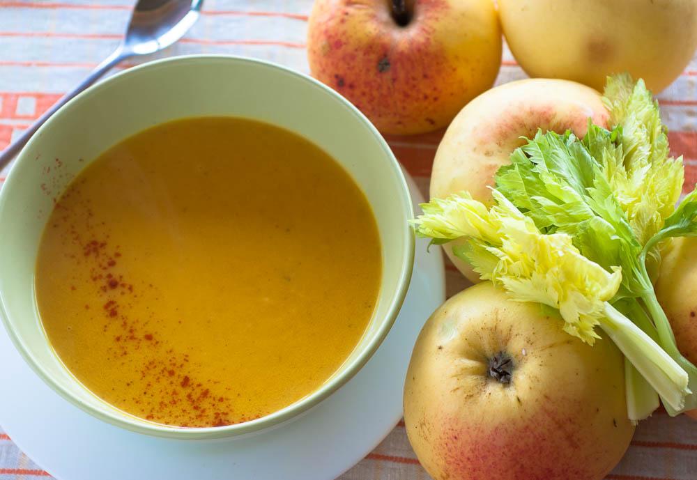 morku ir obuoliu sriuba