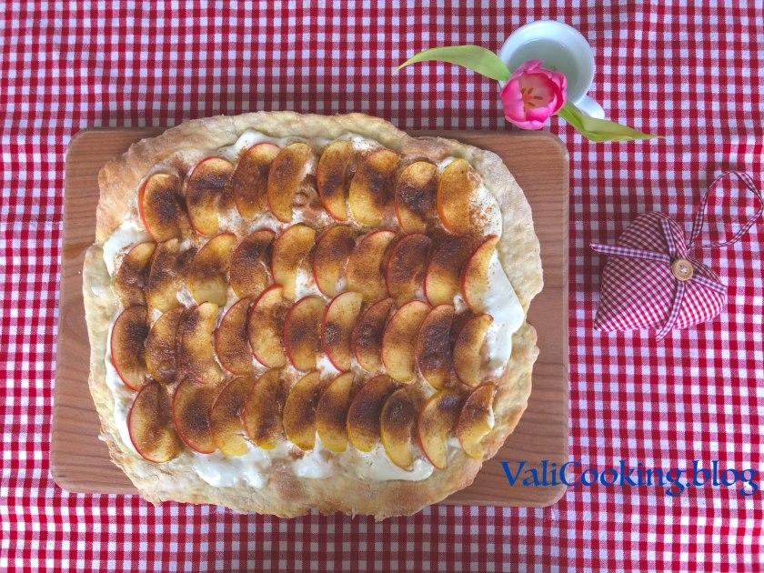 Tarte Flambée with apples