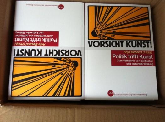 "Buch ""Politik trifft Kunst"
