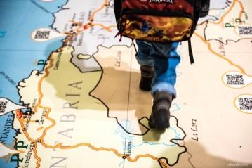Äidin pikkupoika menee muille maille...