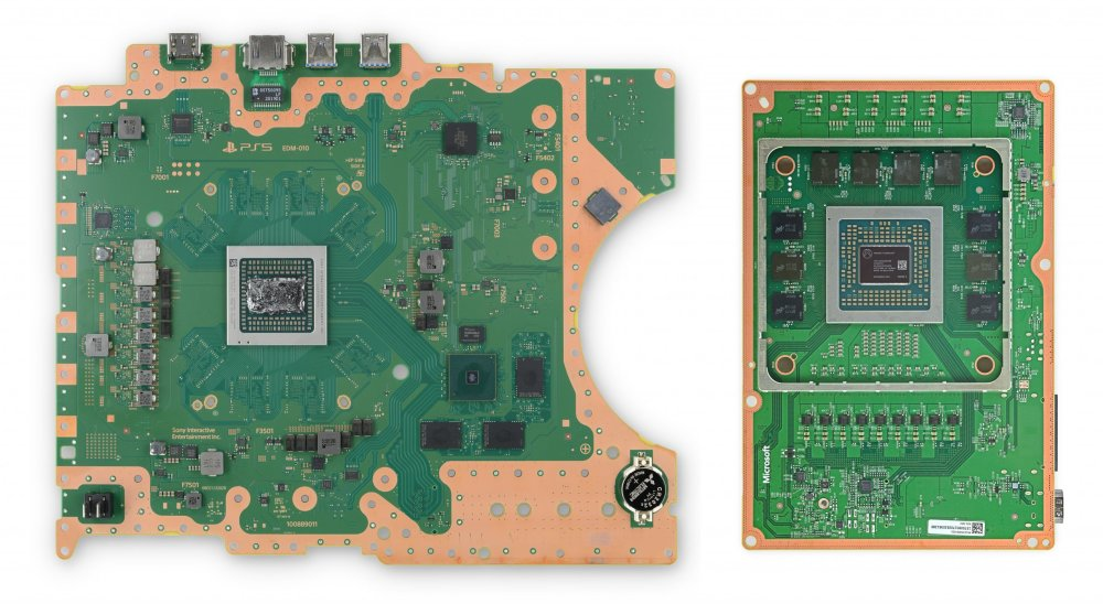 Comparison of PS5 and XSX boards