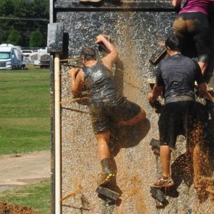 warrior-dash-2013-pennsylvania-water-wall1-2