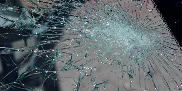 sostituzione cristalli e vetri auto