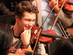 Hi, I'm Brendan, and I play violin, and I like kittens.