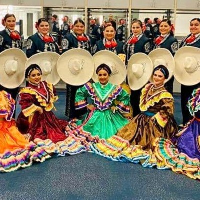 The RGV's Mariachi Margaritas stand behind dancers as they get ready to take stage for the Canelo Alvarez/Billy Joe Saunders fight.