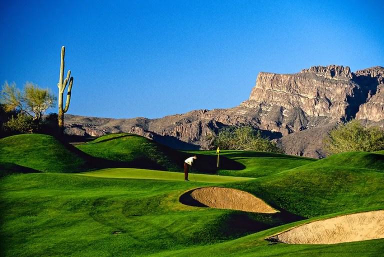The Fourth Hole on Dinosaur Mountain; Gold Canyon Golf Resort; Gold Canyon; Arizona USA
