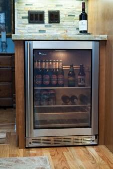 Sunnyvale Kitchen Wine & Beer Refrigerator (OK)