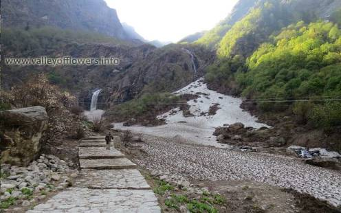 A beautiful waterfall in front of Valley of Flowers entry gate. You can see frozen river in the last week of May.