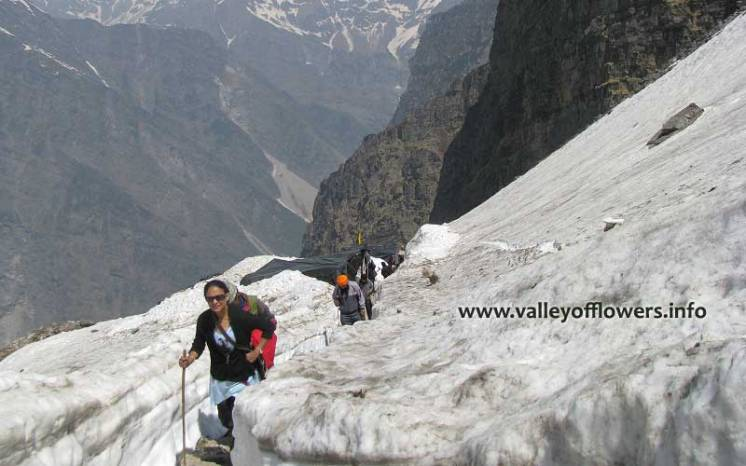 Trekking to Hemkund Sahib in first week of June.