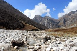 Pushpawati river bed in the valley of flowers