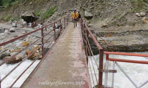 Valley of flowers trek Govindghat to Ghangaria, Bridge constructed in 2014 near village Bhyuandar. After crossing this bridge you need to trek for another 4 km to reach Ghangaria.