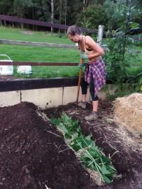 Hannah - Double digging Queen!