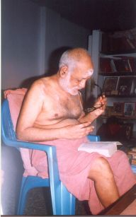 Swamigal settles down to parayanam