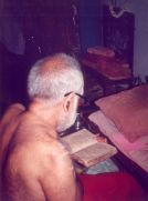 Swamigal reading Narayaneeyam