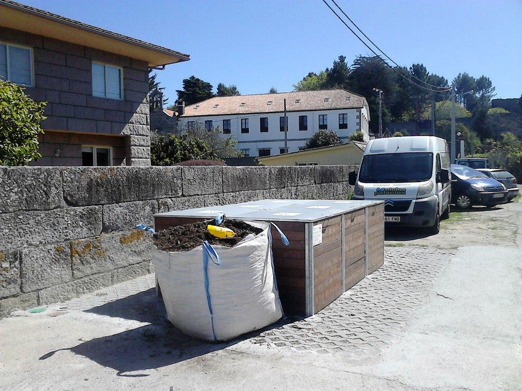 COMPOSTEIRO COMUNITARIO EN SABARÍS