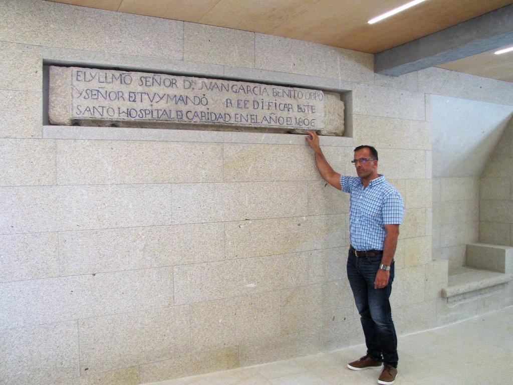 1707014 Inscricións do Hospital Sancti Spiritus recuperadas na Biblioteca Pública Municipal de Baiona_01
