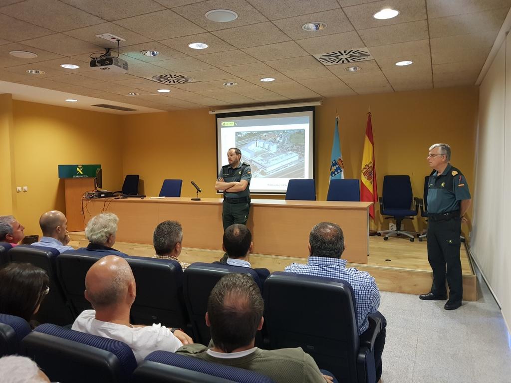 A GARDA CIVIL REÚNESE COS PRINCIPAIS ACTORES DO SECTOR DOS EXPLOSIVOS