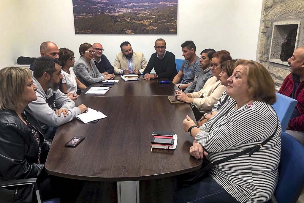 OS ALCALDES DE GONDOMAR E NIGRÁN REÚNENSE CO COMITÉ DE EMPRESA DE POVISA