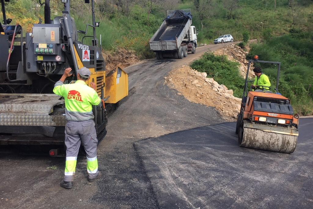 NIGRÁN INVISTE 60.500 € NA PAVIMENTACIÓN DE CATRO CAMIÑOS NA PARROQUIA DE CHANDEBRITO