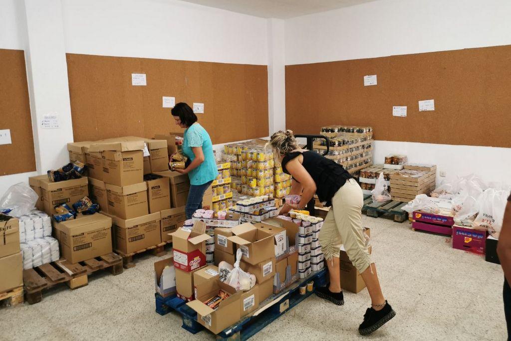 PRETO DE 300 PERSOAS BENEFÍCIANSE DO PROGRAMA MUNICIPAL DE REPARTICIÓN DE ALIMENTOS DE GONDOMAR