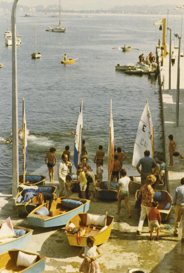 2020-02-05 - Algunos de los primeros Optimist que navegaron en Baiona hace 50 años - Foto archivo MRCYB