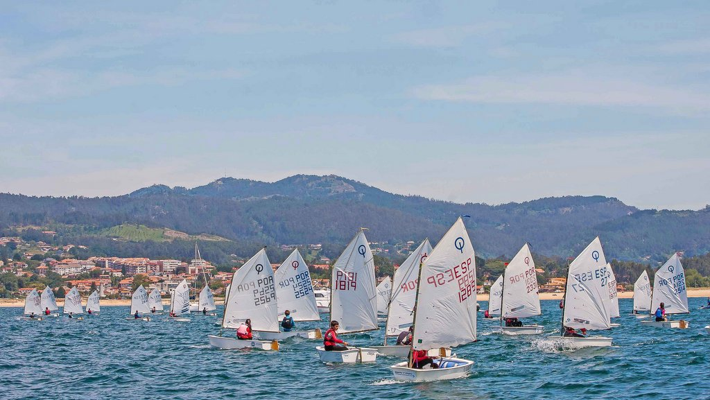 2020-02-21 – Mañana sábado empieza en Baiona el Campeonato Gallego de Optimist – Trofeo Baitra – Foto © Rosana Calvo