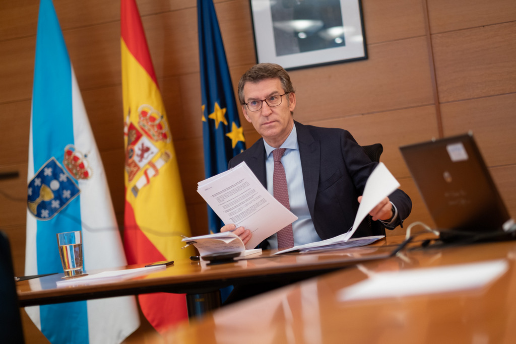 O titular do Goberno galego durante unha videoconferencia co presidente do Goberno central