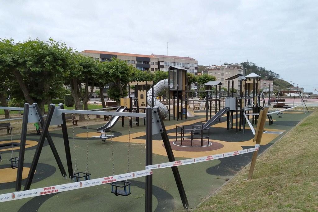 2020-06-16 – Parques Infantís precintados. Baiona (3)