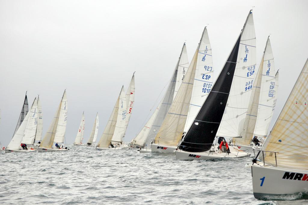 2020-06-27 – 1_La flota tomando la salida del Campeonato Gallego_© Clara Giraldo