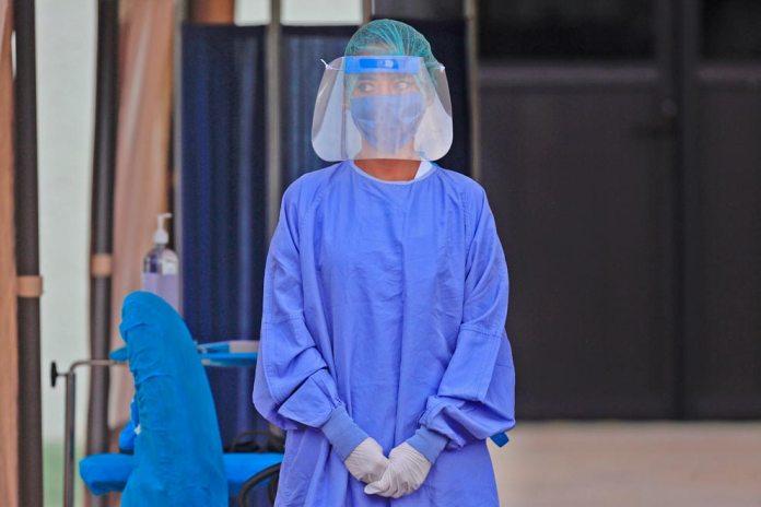 UNAM entrega kits de protección sanitaria