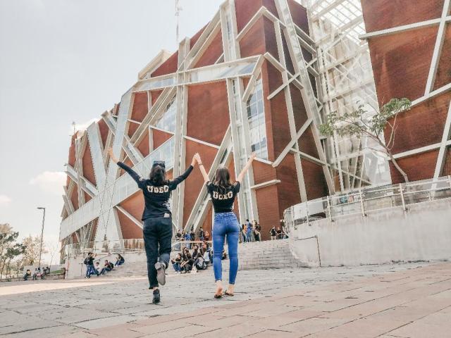 Estudiantes de Univalle pueden optar por una educacion fuera de las fronteras de Bolivia.