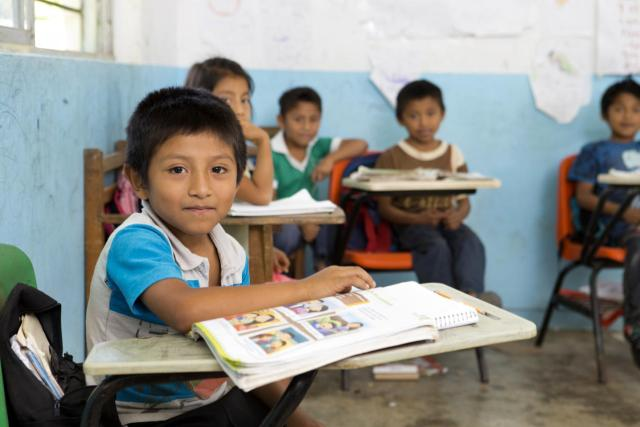 América Latina y el Caribe atraviesa una crisis educativa sin precedente que requiere actuar ya para mitigar e incluso revertir sus efectos, según el Banco Mundial.
