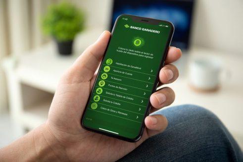 Bolivianos en Europa pueden enviar giros de dinero través de GanaMóvil, app del Banco Ganadero.