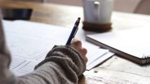 Bureau écriture la main
