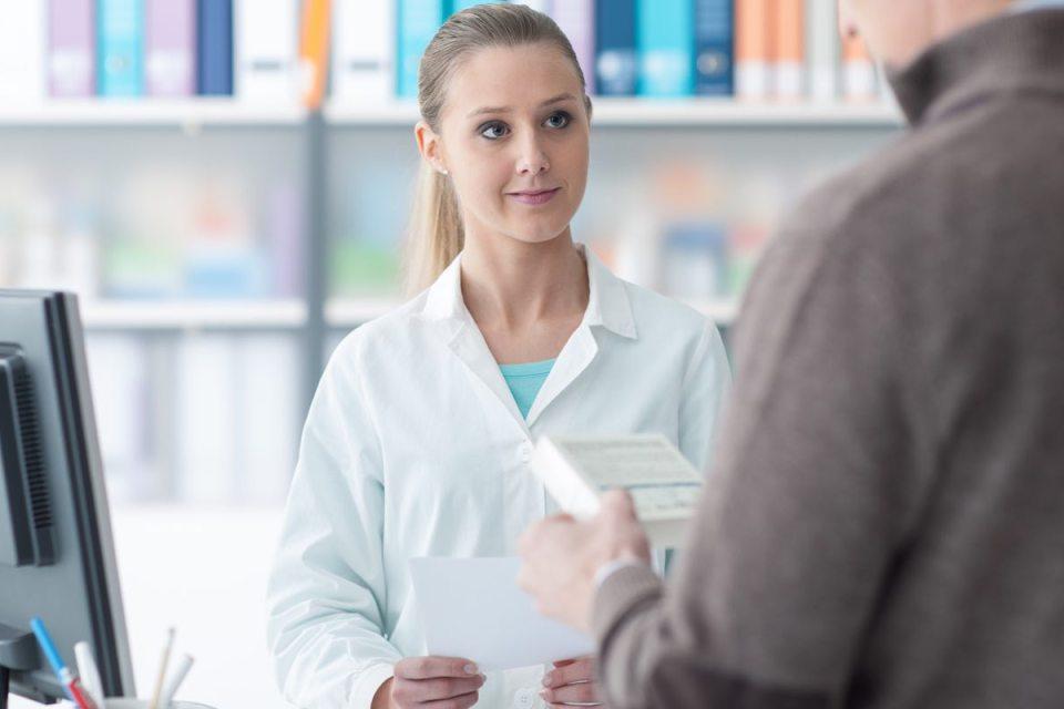 Client à la pharmacie