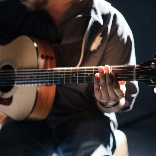 Acoustic guitars playable anywhere