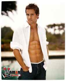 vamers-venator-september-2012-ryan-reynolds-05