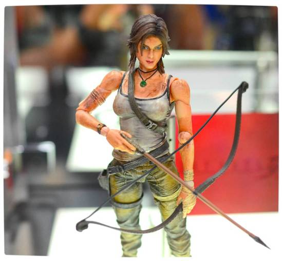 Vamers - Tomb Raider (2013) - Lara Croft Play Arts Kai Collectible