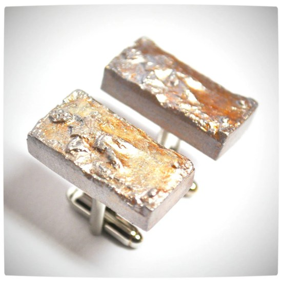 Vamers - Geekosphere - SUATMM - OhMyGeekness by Jess Firsoff - Han Solo in Carbonite Cufflinks
