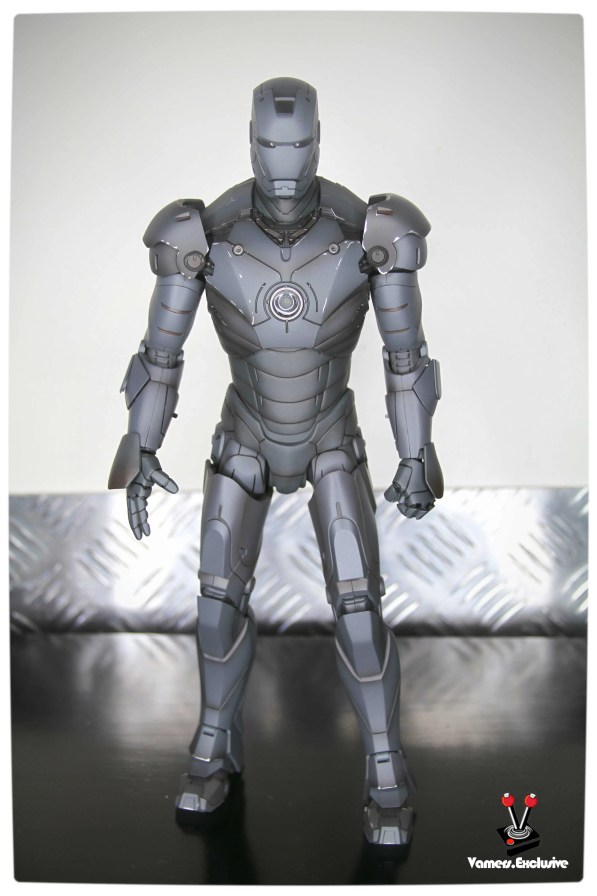 Vamers - Hot Toys - Limited Edition Collectible - Iron Man Mark III - SIlly Thing's TK Edition - MMS101 - Full Body Standing