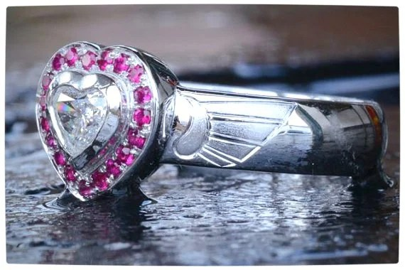 Vamers - Geek Chic - SUATMM - 10 Gorgeously Geektastic Engagement Rings - Zelda Heart Engagment Ring