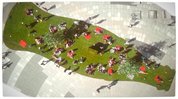 Vamers - Ermahgerd - Coca-Cola Rolls Out the Green Carpet in a Pop-Up Park - Profile