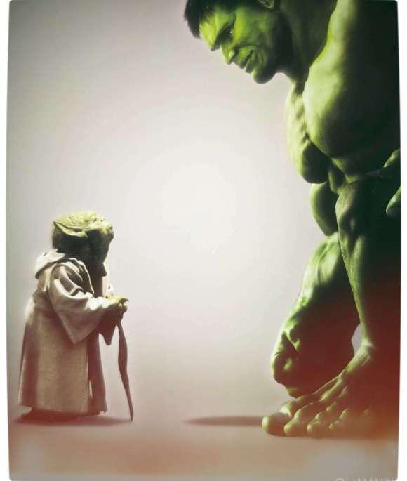 Vamers - Humour - Yoda Gives The Hulk Good Advice - Tiny Yoda