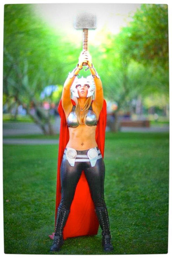 Vamers - Geekosphere - Thorsday - Toni Darling Gender-Bends Thorsday - Toni Darling as Thor 01