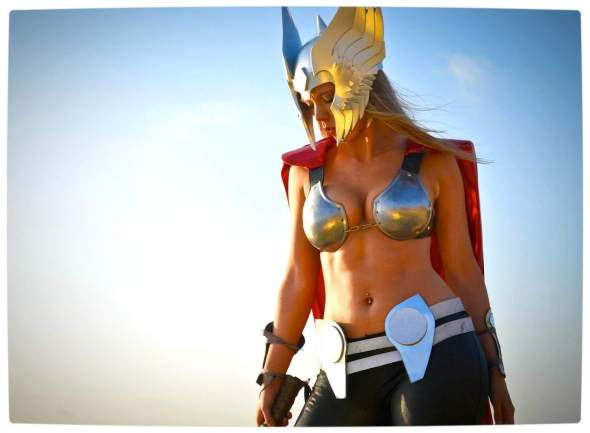Vamers - Geekosphere - Thorsday - Toni Darling Gender-Bends Thorsday - Toni Darling as Thor 04