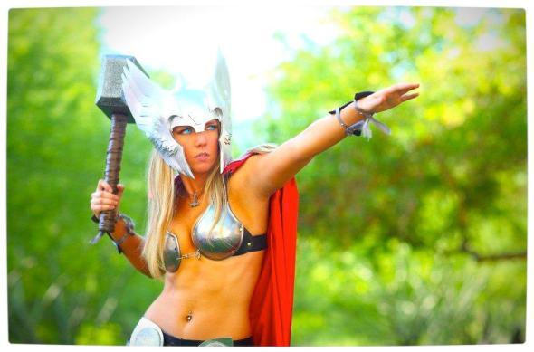 Vamers - Geekosphere - Thorsday - Toni Darling Gender-Bends Thorsday - Toni Darling as Thor 09