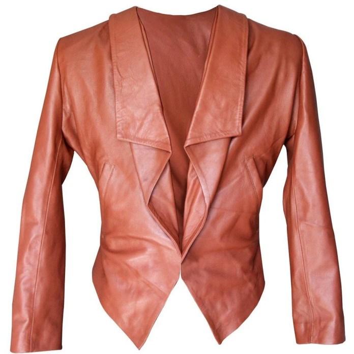 Vamers - Geekmas Gift Guide - 2 Broke Girls Caroline Channing Replica Leather Jacket