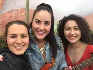 Vamers - Events - Fete De la Musique - Dani and Diona with Artist