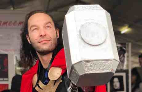 Vamers - Lifestyle - Cosplay - Creating Mjolnir for Comic Con Africa - Main banner