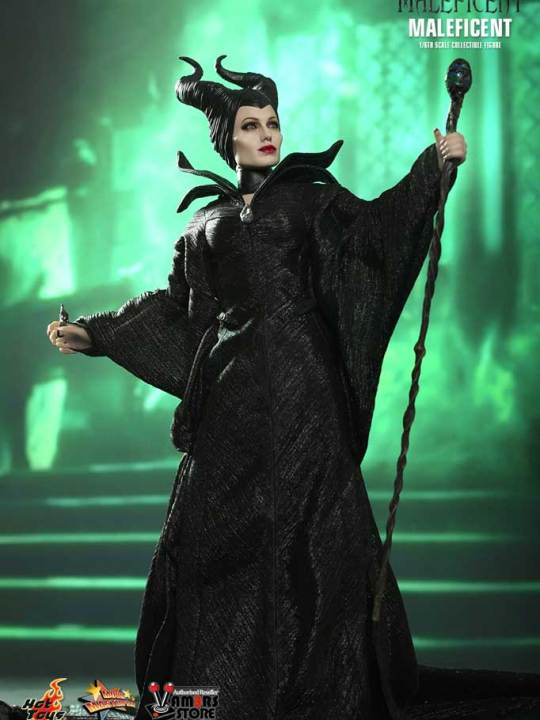 Hot Toys - MMS247 - Maleficent Limited Edition Collectible Figurine 07